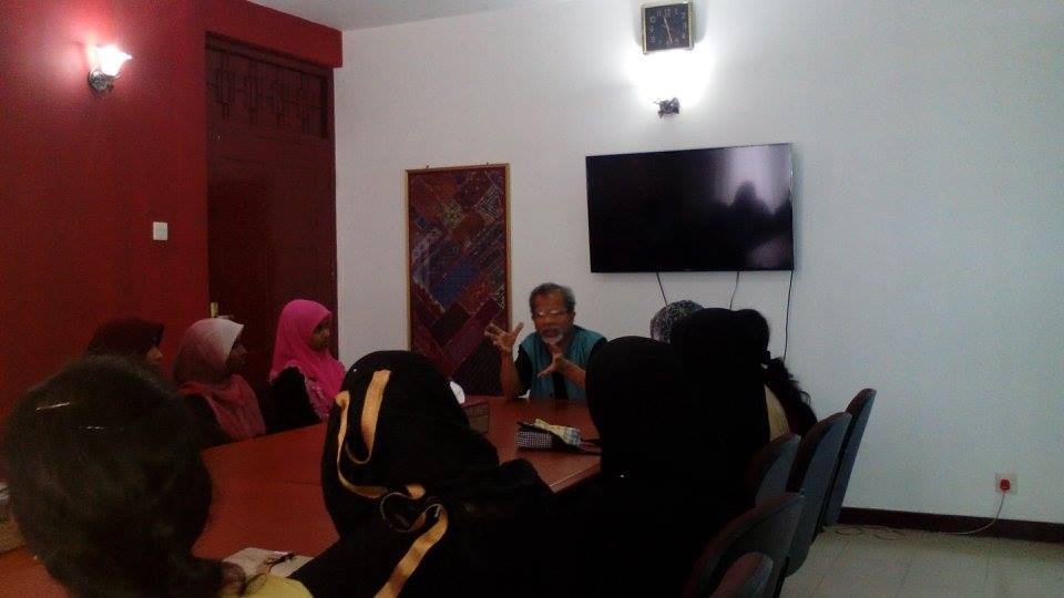 Visit by Undergraduate Students from the Faculty of Arts, South Eastern University